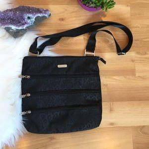 Baggallini black cheetah triple zipper crossbody